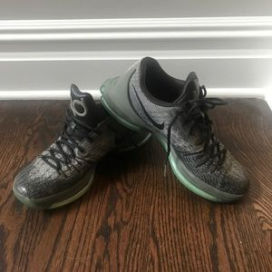 Nike men's KD basketball sneakers